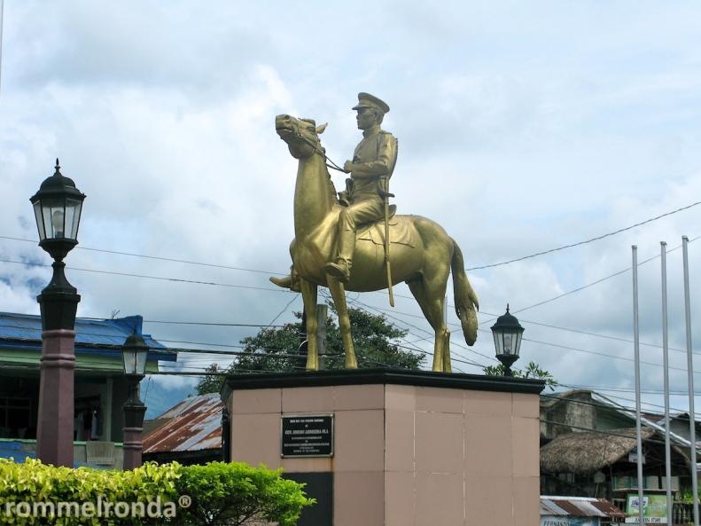 General Simeon Ola Monument